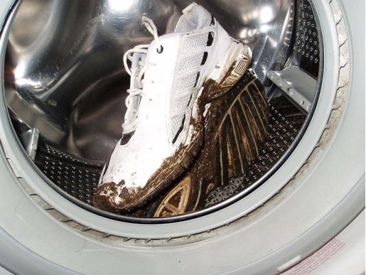 грязный кроссовок