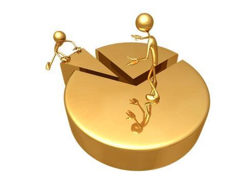 кусок золотого торта