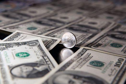 рубль с долларами