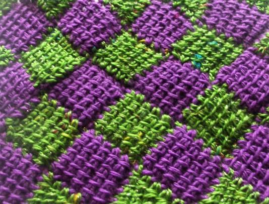 зелено фиолетовый