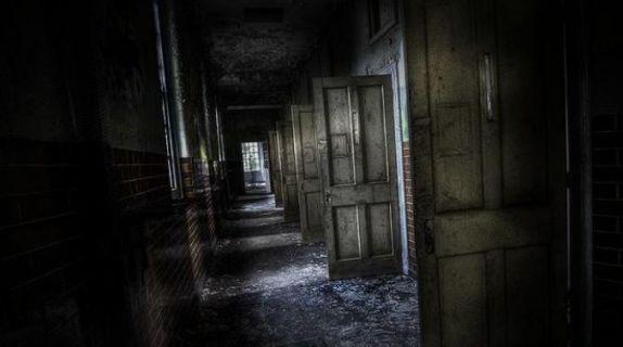 двери открыты