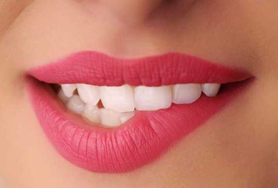 накрашенные губы